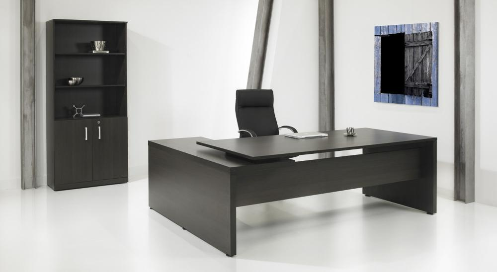 Be2310e bureau en l direct it 230x172cm 2e hands en nieuw